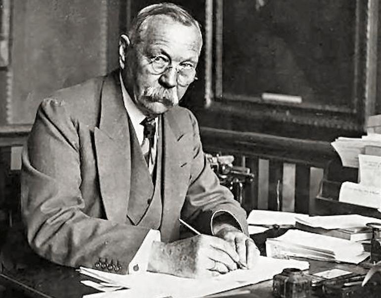 sir Conan Doyle with fountain pen