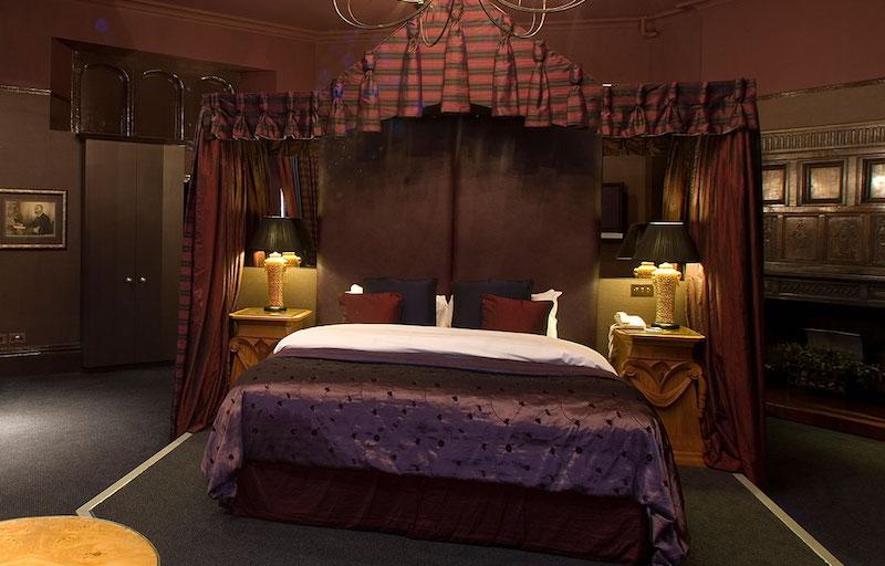 ruthin-castle-room-2
