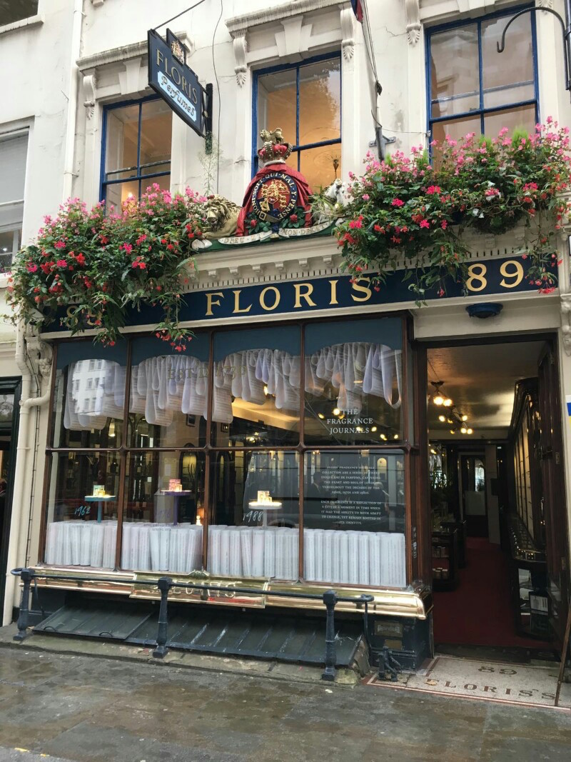 famous wearers of floris perfumes