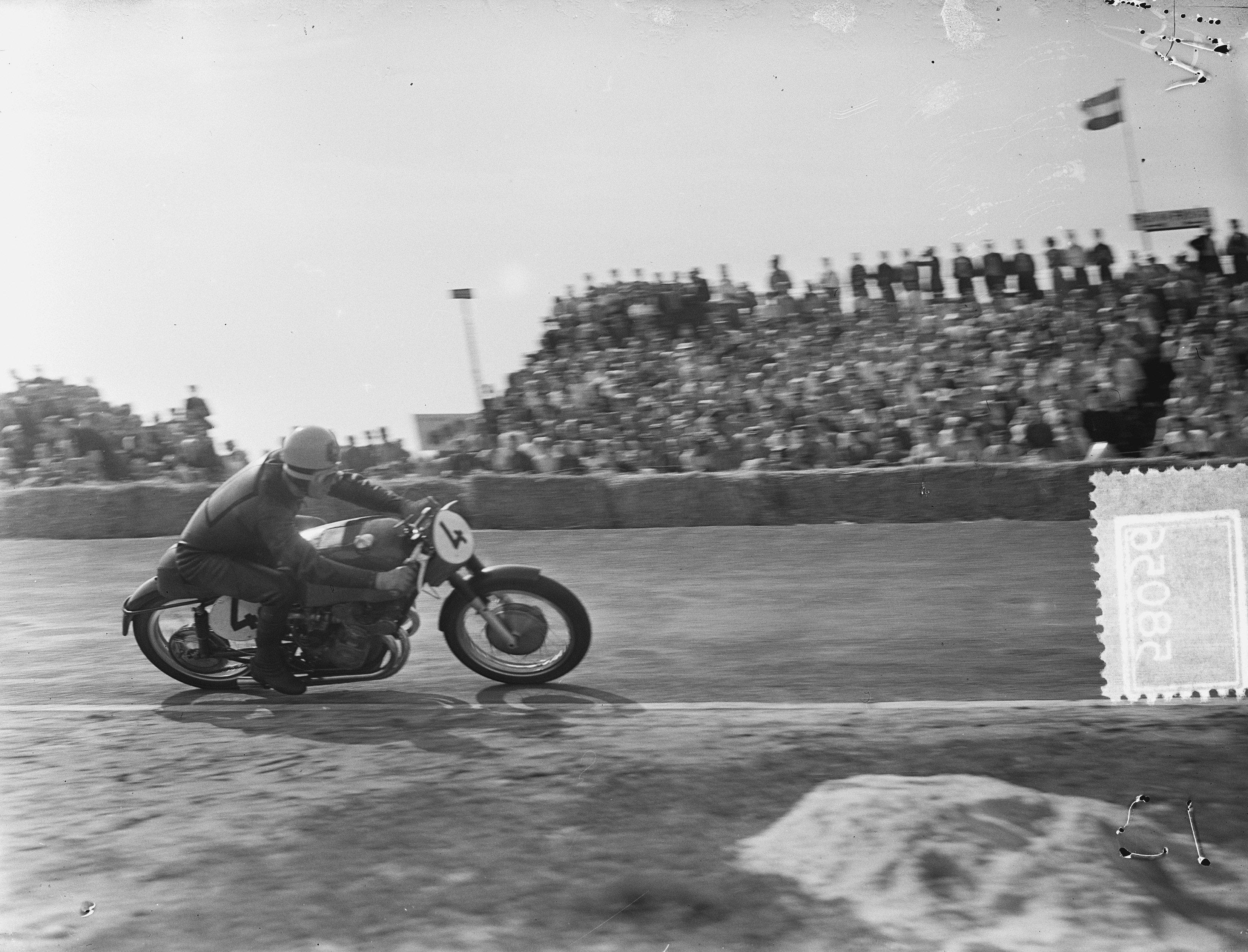 racing leathers Geoff Duke