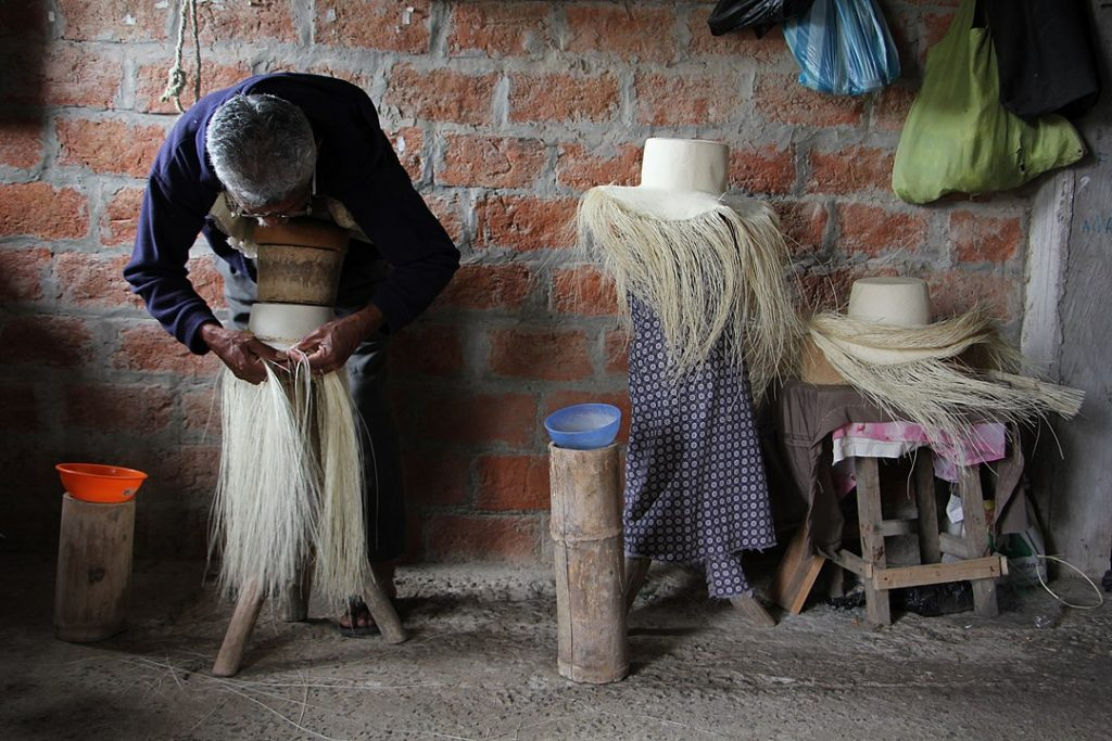 Straw hat maker in Ecuador